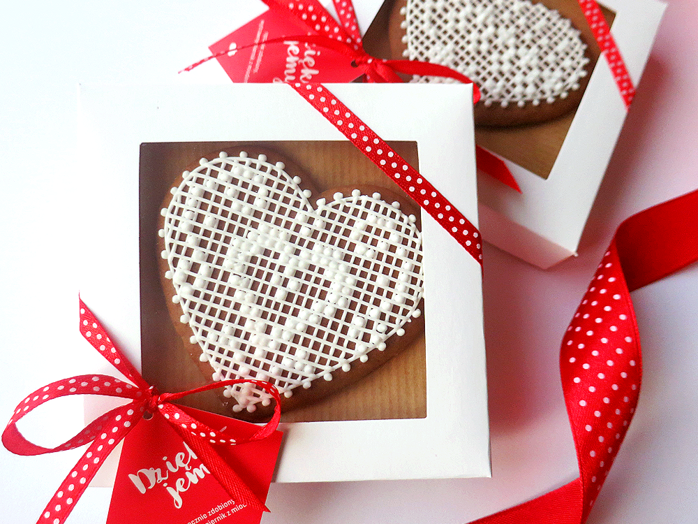 Koronkowe serce w pudełku